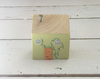 Green Wood Cottage, Little Wooden House, Wooden House, Green House, Miniature Wood House, Mini Houses, Reclaimed Wood House, New Home Gift