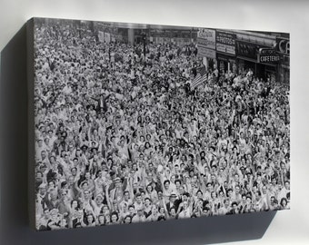 Canvas 16x24; Times Square V-J Day