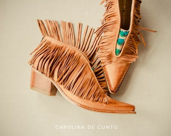 Leather booties with fringes. Art at your feet! Handpainted boots by Carolina. Free shipping!