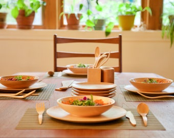 4 Complete sets: 4 forks, 4 spoons, 4 knives, 4 plates of 10.5 '', 4 plates of 7.5 '' and 4 Bowls-Soup of 8.2'' , maple wood