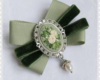 GS3 green spring brooch