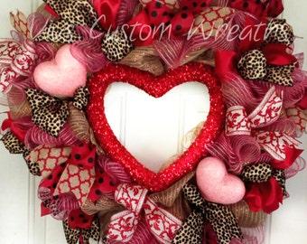 Red Heart Wreath, Valentine's Day Wreath, Valentine Heart Wreath, Heart Wreath, Valentine Door Wreath, Valentine's Decor, Leopard Wreath