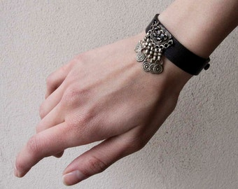 Ethnic Bracelet, Leather Bracelet, Beaded Bracelet, Avant Garde Jewelry, Black Barcelet, Slim Bracelet, Minimalist, Brambuta