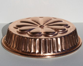 Copper mold for sweets and foods. Flower Shape. Vintage