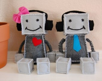 Robot Felt Plushie Toys, Chrissy and Tahoe, Couple Robot, Robot Wearing Headphone, Felt Plush, Robot Plush, Felt Plush Toys, Toy