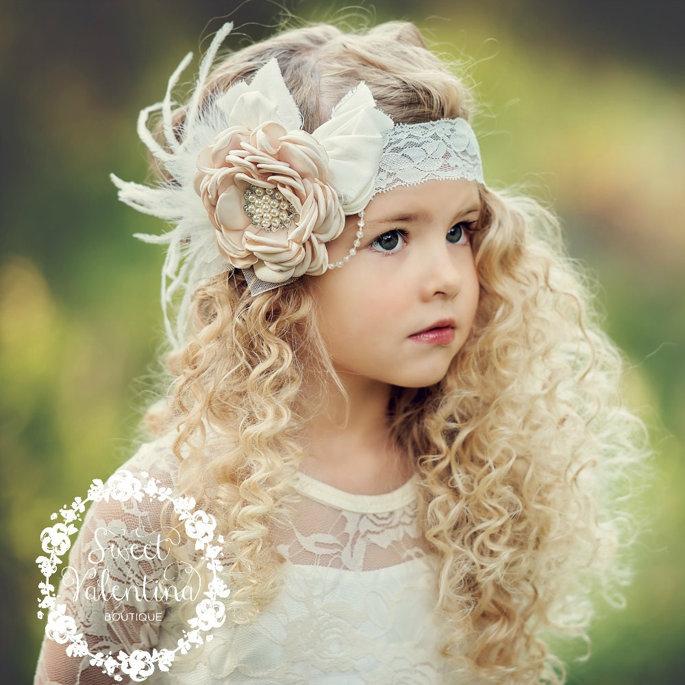 Girl's Hair Bow Style. Girls hair bow and headbands add cute and stylish flare for any occasion. They can be worn by newborns, toddlers and girls and are a versatile accessory that can bring a pop of color to an outfit or be the finishing touch on a costume or special event look.
