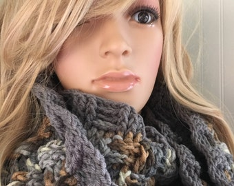 Crochet infinity scarf - winter accessory - Christmas Gift for her - crochet cowl - winter fashion scarf - checkerboard scarf - woman scarf