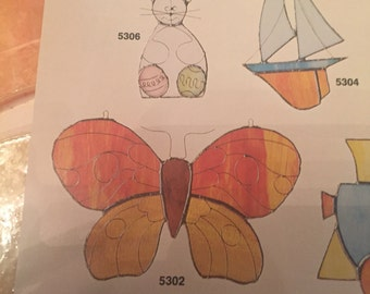 Vintage artcraft concepts stained glass hanging butterfly kit.