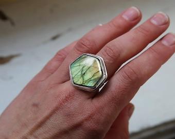Silver Ring With Labradorite,  Flash Labradorite Jewelry