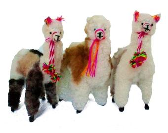 Small Alpaca Ornament, Peruvian ethnic decoration, anniversary christmas gifts, handmade boho ethnic decorations, handmade alpaca fur decor