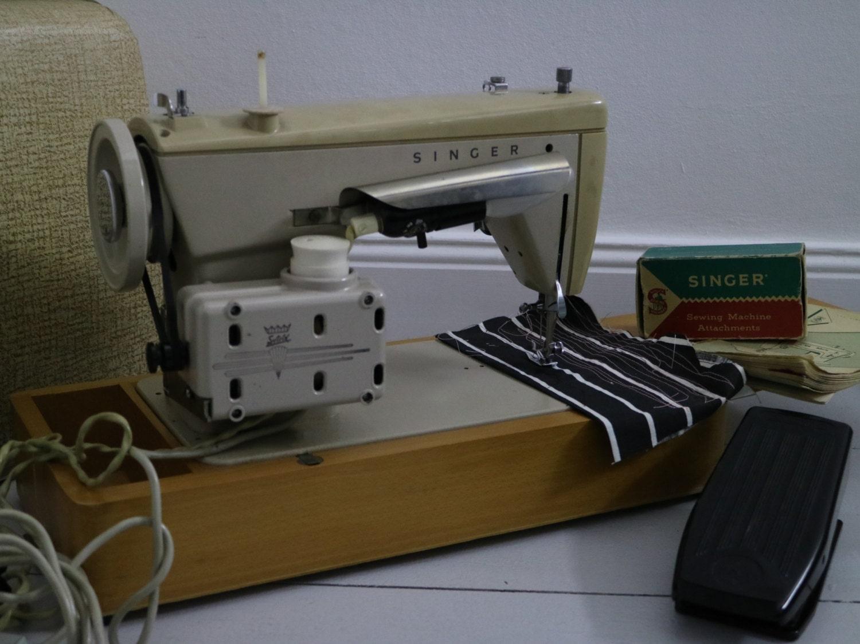 Berühmt Nähmaschine Matte Muster Bilder - Schnittmuster Kleid Ideen ...
