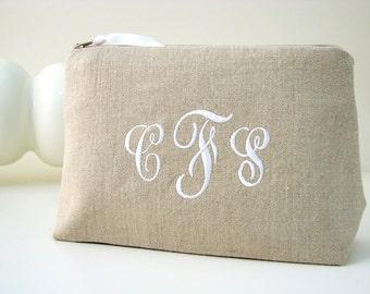Monogrammed Linen Cosmetic Bag // Linen Clutch // Personalized Cosmetic Bag //  Linen Makeup Bag // Monogram Makeup Bag // Bridesmaid Gift