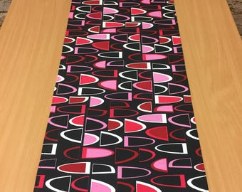 Black tablecloth with red and pink white split oval, modern style, geometric table runner