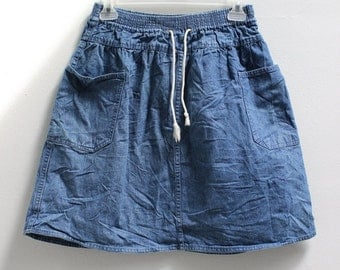 VTG 90's Denim Mini Skirt with Pockets, Elastic Waistband, and Drawstring. Casual/Summer/Beach/Hipster/College/Size Medium/100% Cotton.