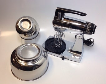 Sunbeam Mixmaster MMB Stand Mixer Chrome & Black with 2 Stainless Steel Bowls Hand Mixer