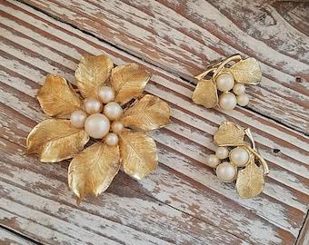 Vintage jewelry set gold pearl brooch earring set demi parure set pearl leaf clip on earrings OG2264