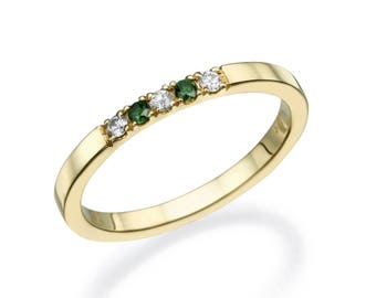 5 Stone Diamond Ring. Delicate Diamond Ring. White and green Diamond Ring. Wedding Band. Stackable Ring. 14K/18K Yellow Solid Gold