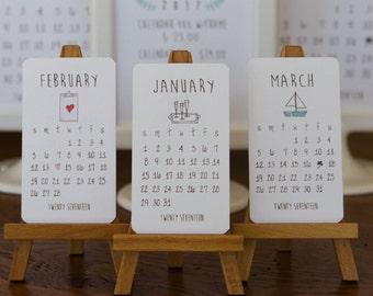 2017 Mini Doodle Desk Calendar With Wooden Easel