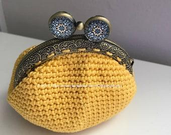 Crochet coin purse - yellow