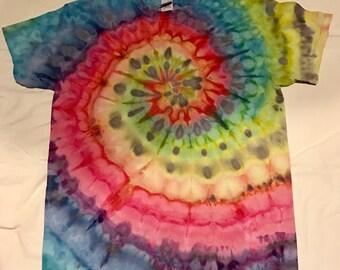Spiral tie dye  T-shirt unisex medium