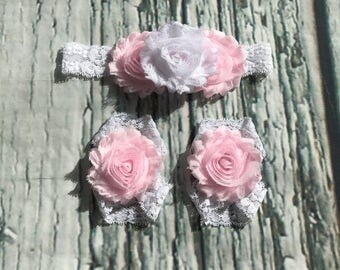 Beautiful White and Pink Vintage Lace Headband and Barefoot Sandals / Baby Headband / Baby Girl Headband / Baby Bows / Headbands for Babies