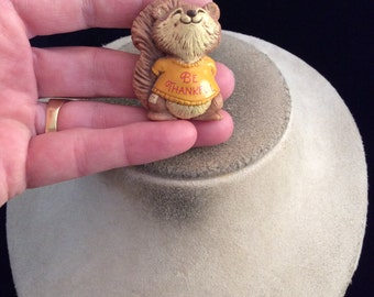 Vintage Thanskgiving Signed 1982 Hallmark Cards Squirrel Pin-Says BE THANKFUL