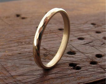 Pebble Hammered 18ct yellow gold 2mm wedding ring design band for a lady