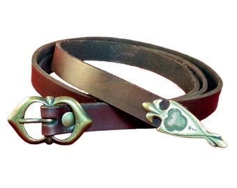 Medieval leather belt, with decorated metal tip. For Reenactment , medieval and fantasy costumes, LARP and Cosplay. Woman, Child