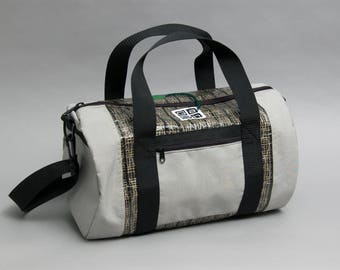 Small duffle bag made of a recycled kevlar sail - Petit Aquilon