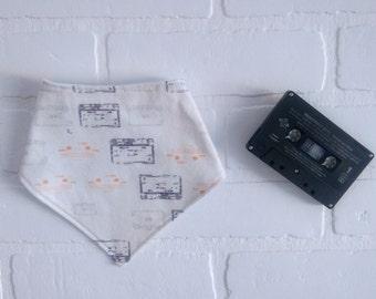 Bavoir bandana Cassette Bavette bebe/ Tape Cassette Baby Bandana bib