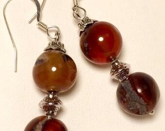 Drop earrings with agate striate