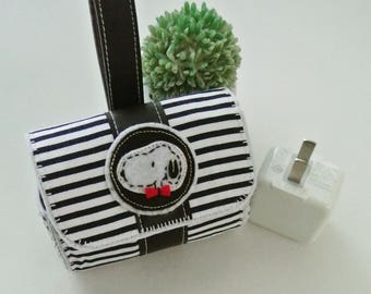 Snoopy Charger & Cable Storage Bag, Charger Holder, USB Cable Winder, Traveller Gadget Organizer, Magnetic Closure, Simplify Me