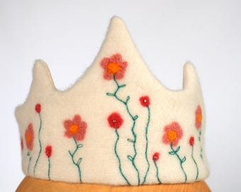 Waldorf crown coral flowers crown, felt birthday crown, peach white crown, needle felted crown, crown pretend play , Waldorf classrooms