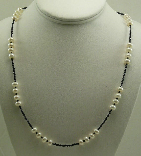 Freshwater White Button Shape Pearl and Black Spinel Necklace with Silver Clasp