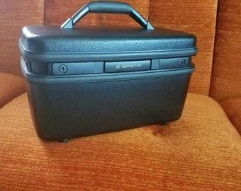 Acclaim black Samsonite train case/travel case-make up case 1990's