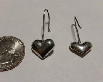 Vintage sterling silver puffed heart dangle earrings badr