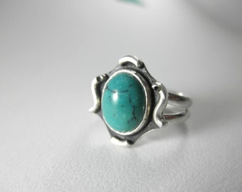 Decorative Turquoise Ring (Size 5 US), French Bohemian Ring, December Birthstone, Solitaire Turquoise Ring, Turq Ring
