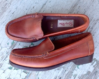 Vintage Handmade Leather Loafers size 6 or 5 // Womens Leather Driving Moc style Loafer 6 // 50s Vintage Shoe 5 // Womens Loafer 6