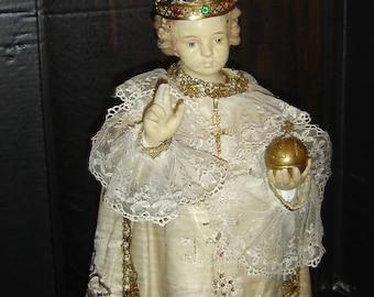 Antique Infant of Prague Niño de Praga Jesus Santos With Crown In Glass Cupola.