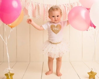 First birthday girl outfit, Glitter One Outfit, First Birthday, Glitter Gold brithday, Heart first birthday, Personalized birthday outfit