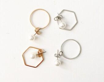 Double back pearl hexagon/circle earrings