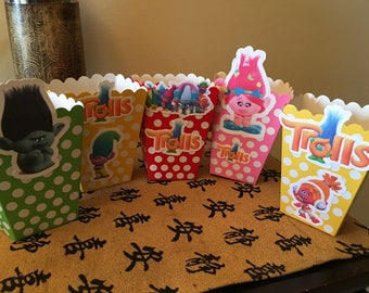 12 trolls popcorn boxes