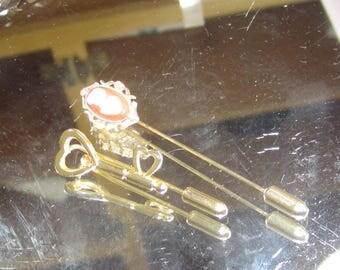 E-98 Vintage  Brooch pins