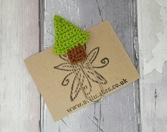 Christmas tree bookmark, crochet tree, giant paperclip, book lover gift, Christmas present