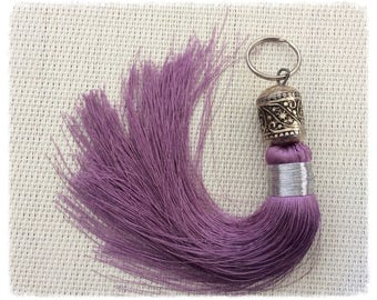 Moroccan tassel lilac with chiseled metal bead