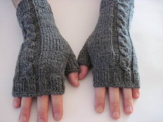 mens personalized hand knit mittens unisex gloves boyfriend gift fathers day gift hand knit accessory husband gift dad christmas day gift