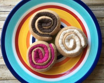 felt breakfast rolls, play food breakfast rolls, dramatic play, felt food donuts