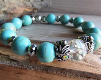 Turquoise Howlite and Swarovski Chrystal Bracelet
