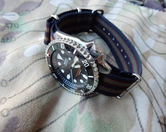 Custom James Bond Modified Rare Seiko SKX007J watch//Dive watch//Rolex submariner//Sean Connery//bond strap//gifts for guys//Father's day