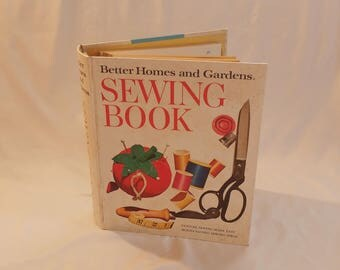 1961 Better Homes and Gardens Sewing Book Hardcover Binder